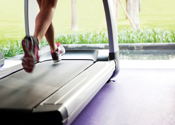 Your Go-To Treadmill Workout This Fall: Incline Sprints